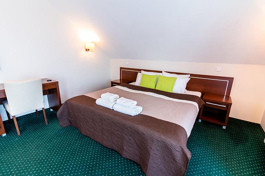 Hotel Lotos 13