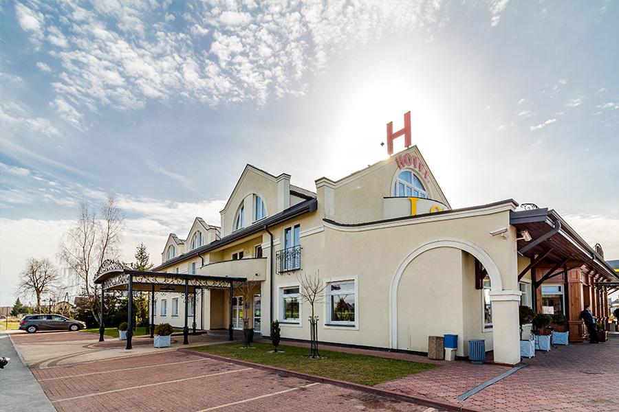 Hotel Lotos 19